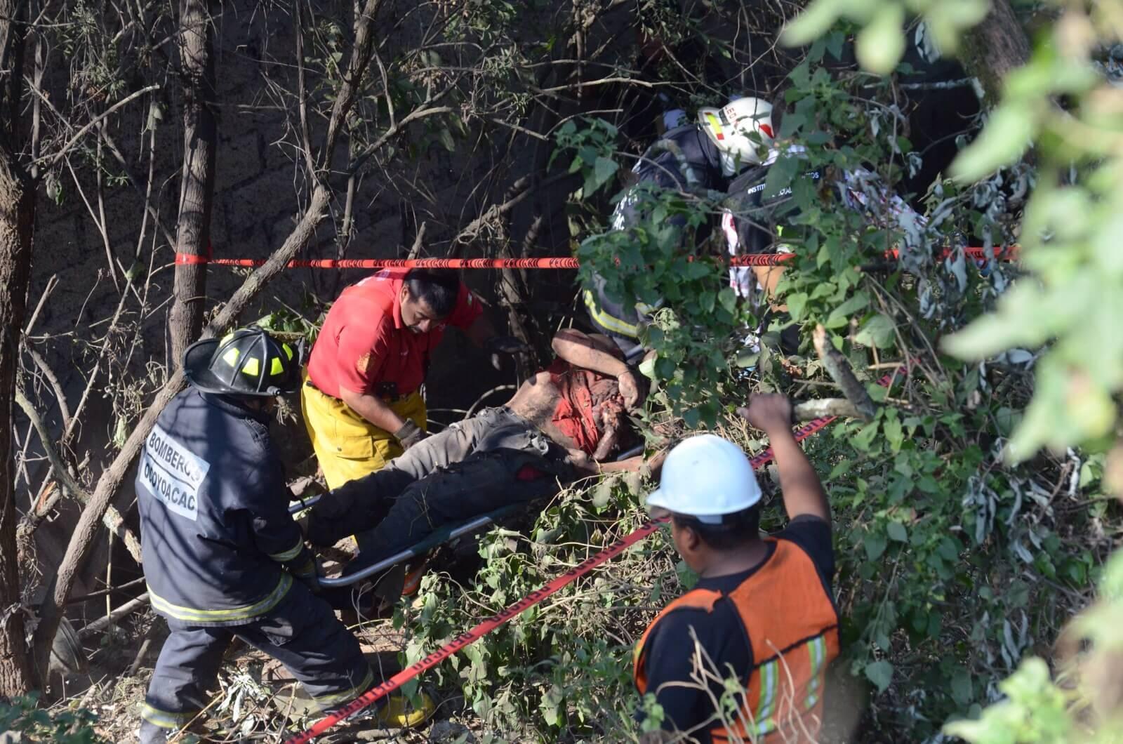 Mueren dos hombres en accidente carretero en la México-Toluca
