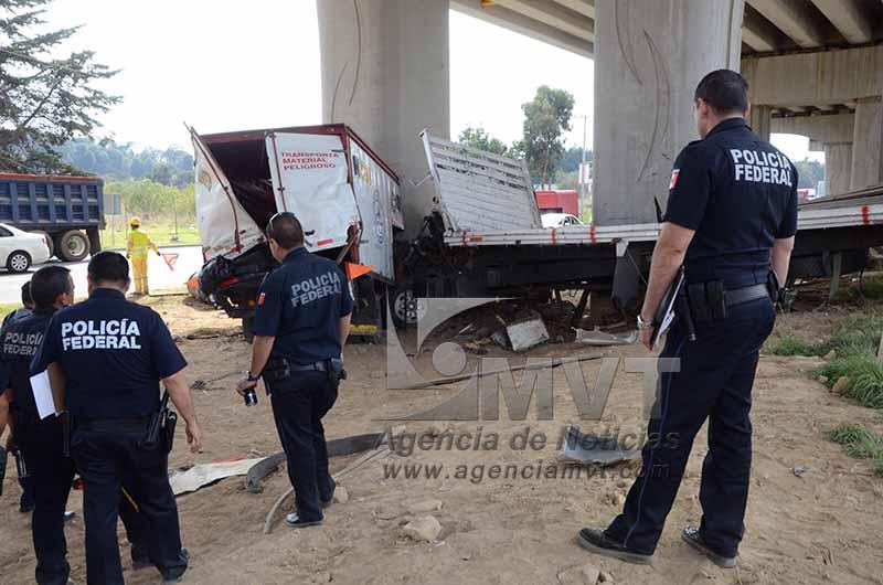 Fallece uno y 3 resultan lesionados por choque en la México-Toluca