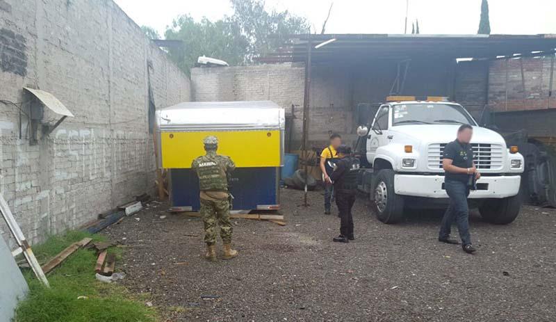 Recuperan tráiler y mercancía robados en Tecámac