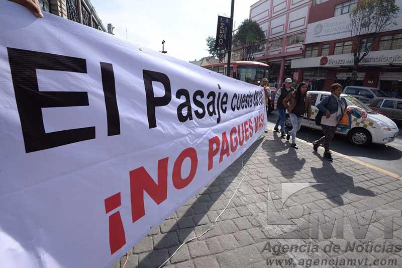 Impide PRD que ciudadanos paguen aumento no autorizado en transporte