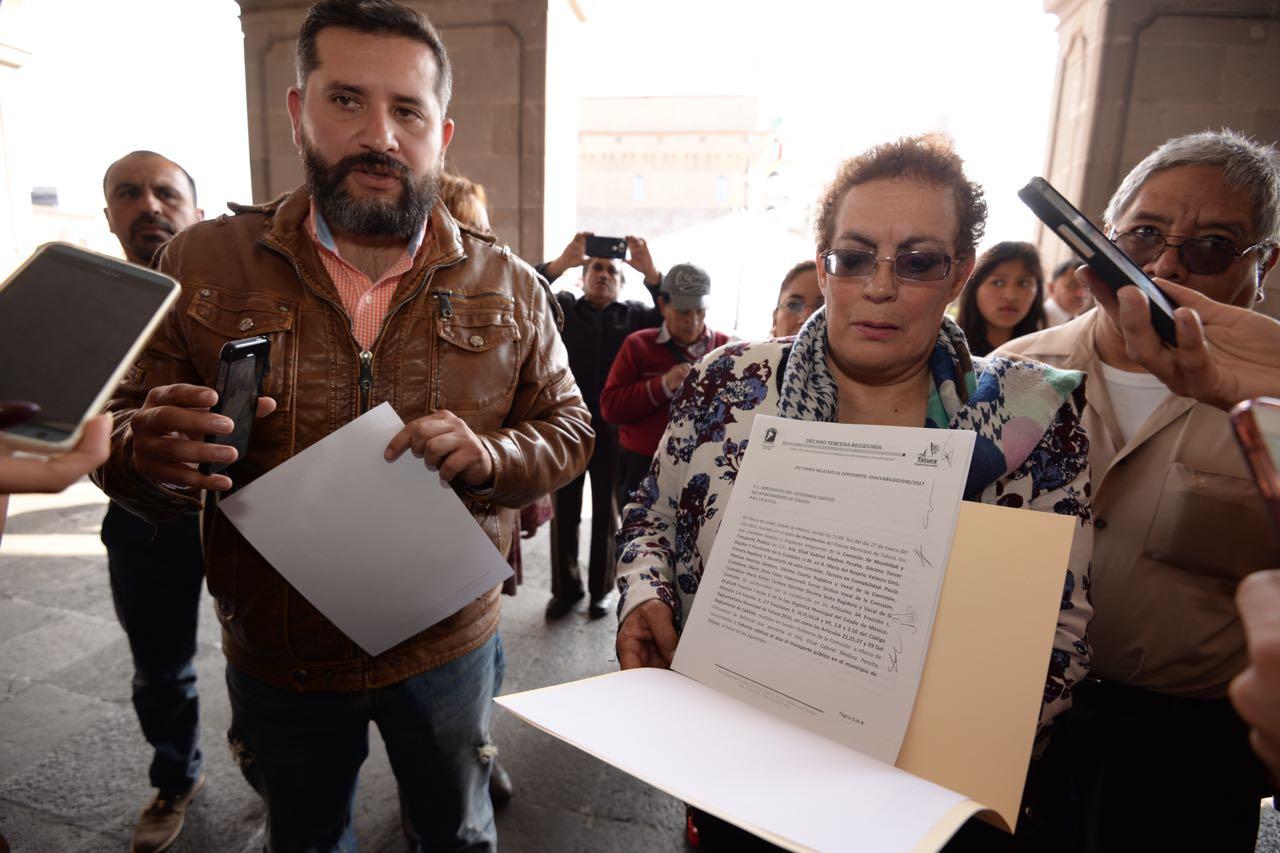 Medina Peralta, entrega exhorto a Eruviel Ávila Villegas para frenar el alza al precio del transporte público en Estado de México