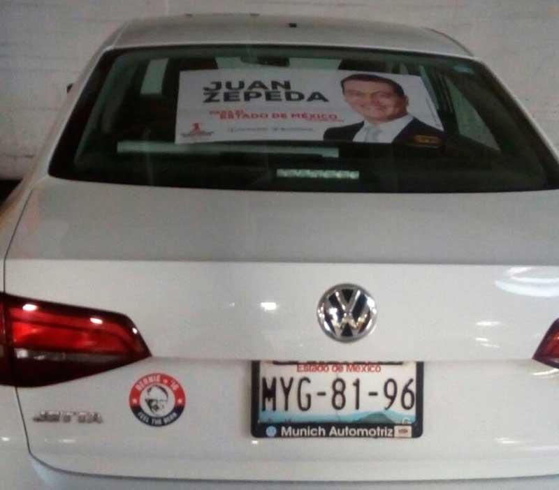 Regidor Gabriel Medina usa auto oficial para promocionar a su candidato