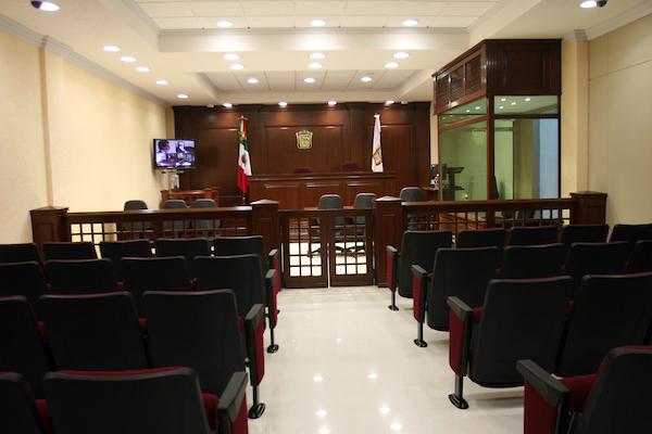 Deja plantado Pastor Medrano a juez, podrían girarle orden de aprehensión