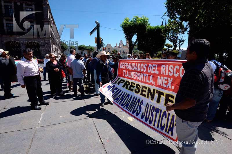 Demandan vivienda digna los desalojados del predio donde se construiría plantel de UAEM en Tlalnepantla
