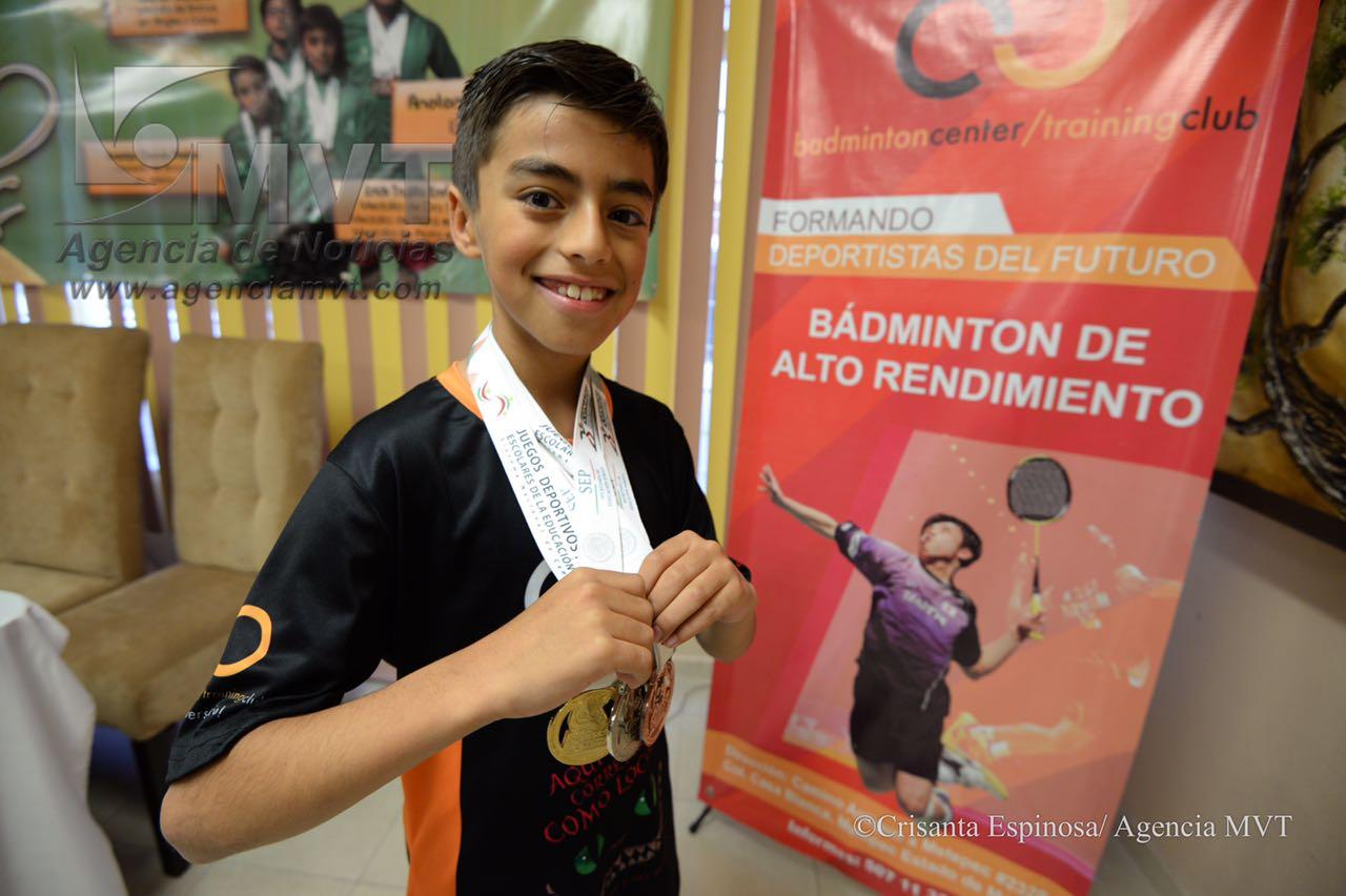 Sueña deportista mexiquense en participar en Juegos Olímpicos dentro de la disciplina de Bádminton.