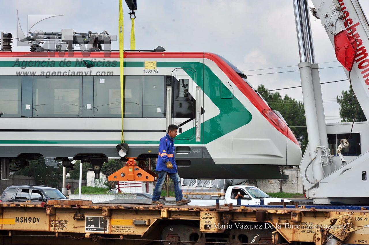 Insisten comuneros en el retiro de la Policía en obras del Tren México-Toluca