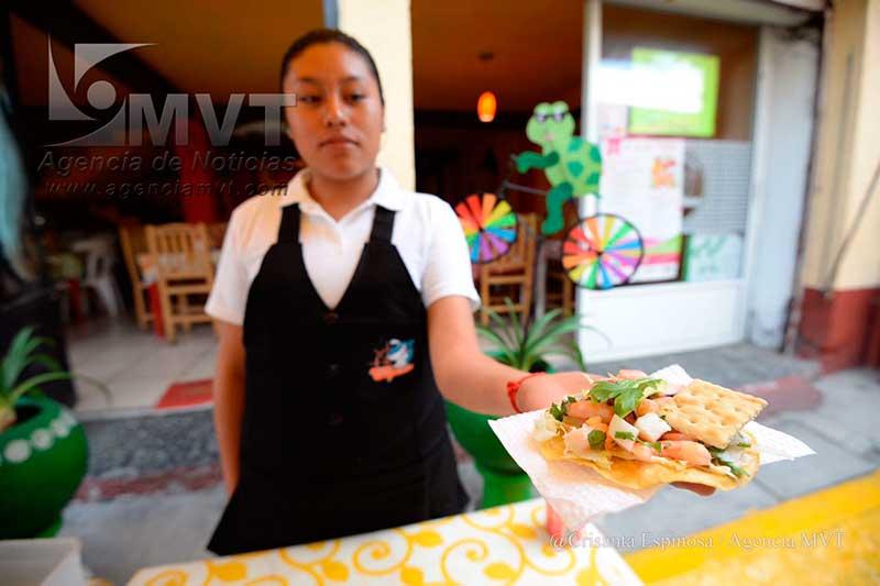 Abre la quinta Feria del Marisco en San Luis Mextepec, Zinacantepec