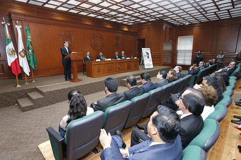 Reconoce UAEM al constituyente Enrique A. Enríquez