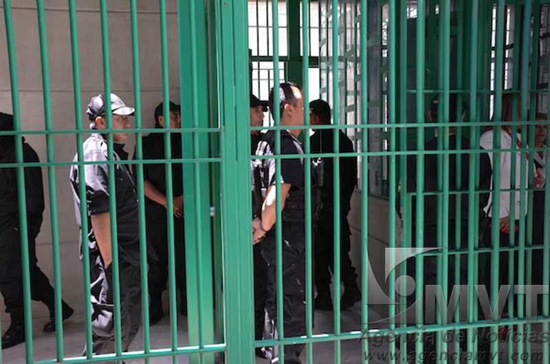 Revisan cárceles en Valle de Bravo, Sultepec y Temascaltepec; decomisan drogas y celulares