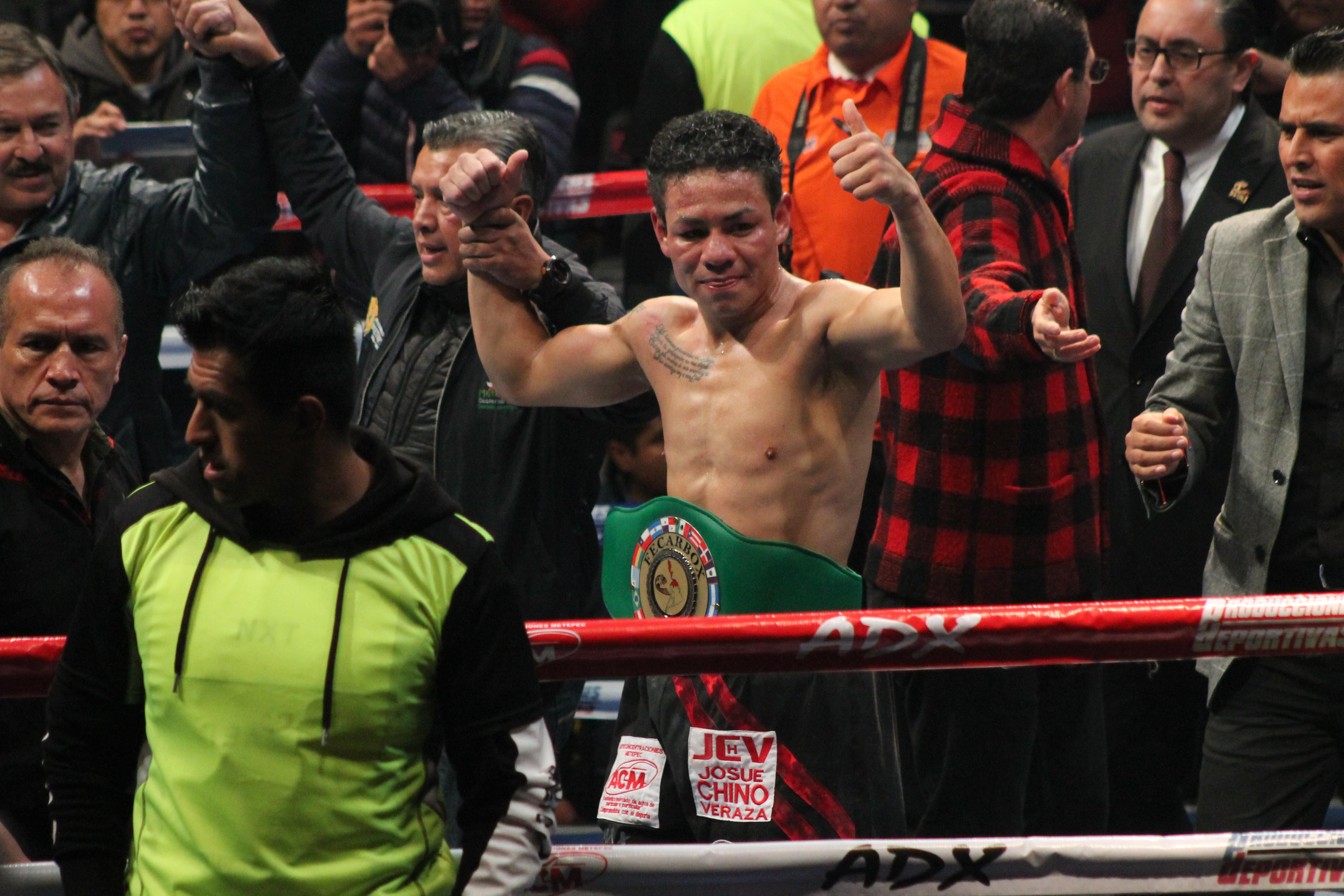 """Josué """"Chino"""" Veraza, se convirtió en el nuevo monarca Continental de las Américas en el WBC"""
