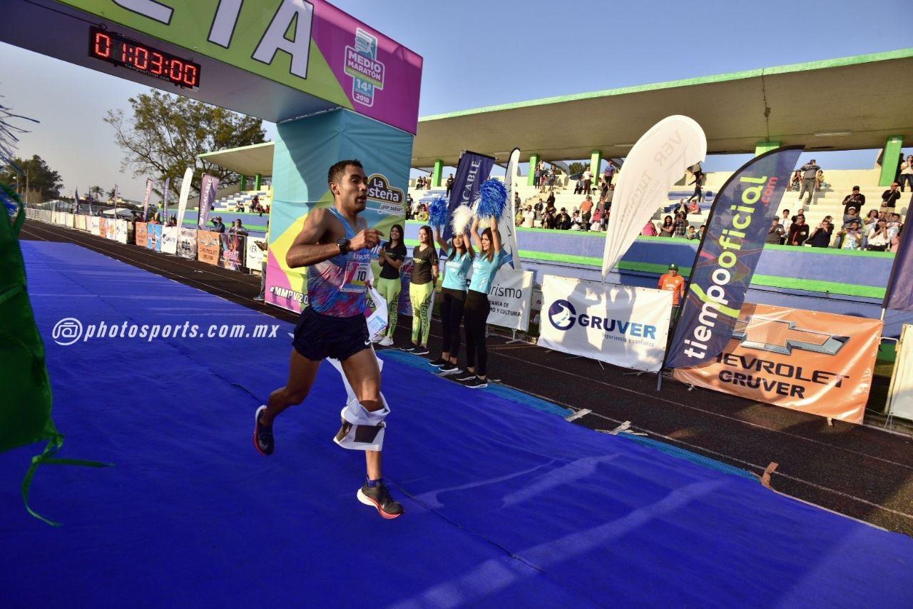 Deportista de la UAEM triunfó en Veracruz