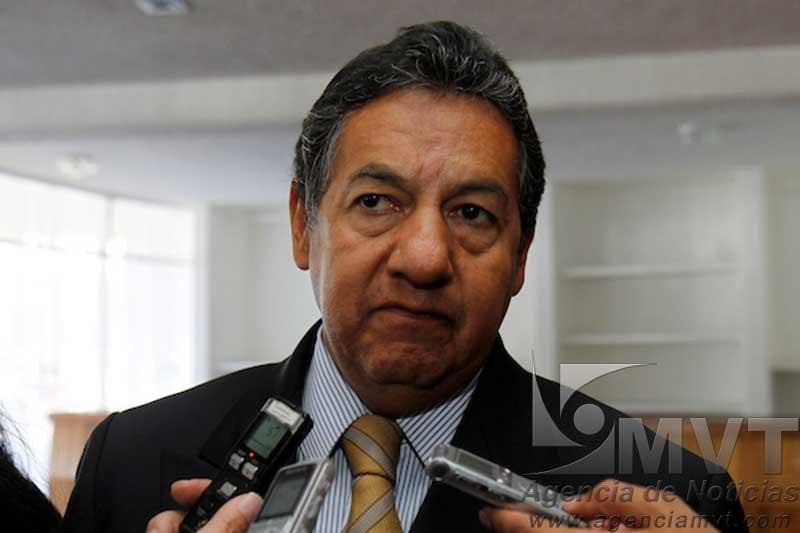 Abandona Higinio Martínez presidencia municipal de Texcoco