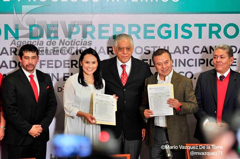 César Camacho Quiroz y Alejandra del Moral se pre-registran como aspirantes a candidatos al Senado por el PRI