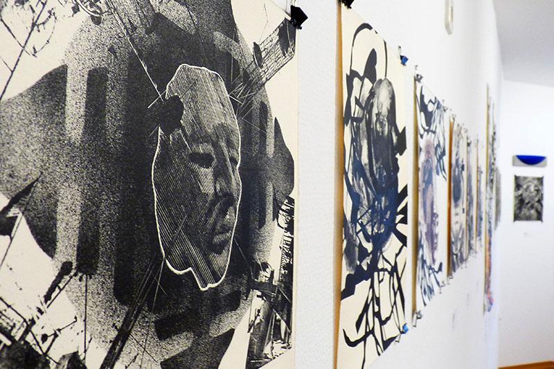 Egresado de la UAEM exhibió obra Otras personalidades en Alemania