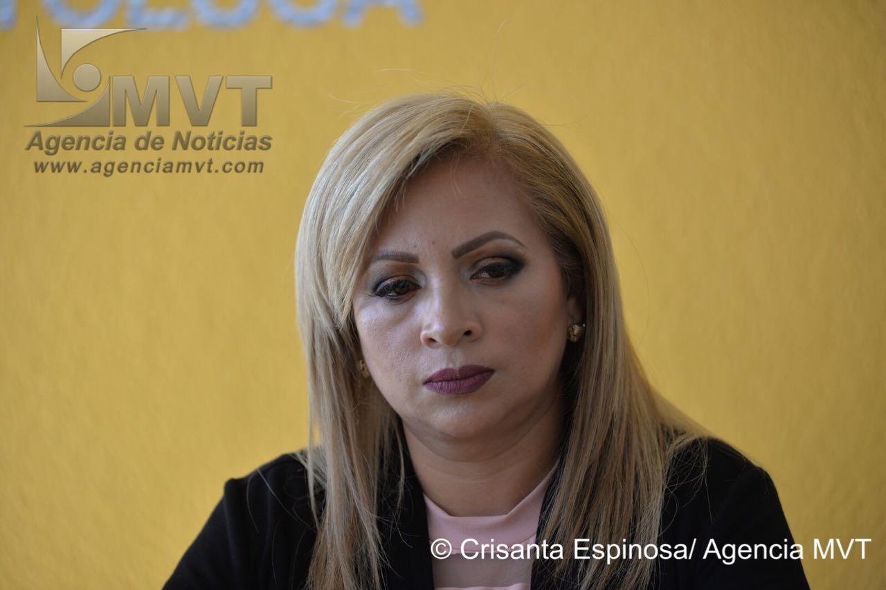 A Esmeralda de Luna no le preocupan críticas ni acusaciones comerciantes