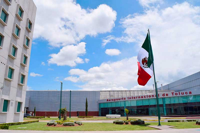 Denuncian fraude en el que supuestamente el Aeropuerto de Toluca vende autos usados; no se dejen engañar, pide