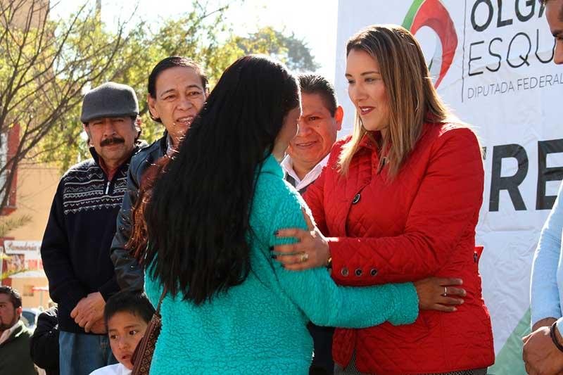 Más de 334 millones de pesos en apoyos recibieron habitantes de Zinacantepec: Olga Esquivel