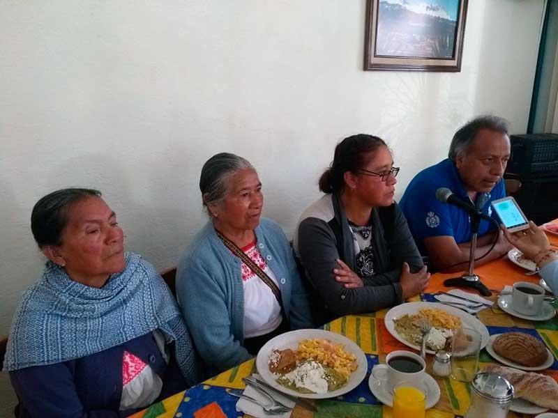 """Aseguran habitantes de Acazulco que no cobraron """"ni un peso"""" por afectaciones a sus tierras"""