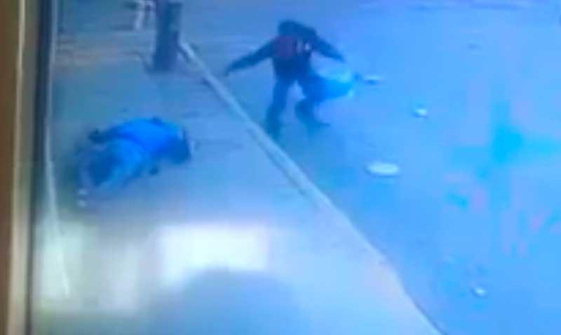 Graban el momento en que asesinan a un comandante de la policía ministerial en Ecatepec