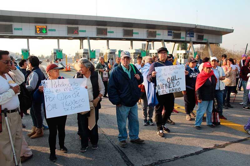 Bloquean autopista para exigir a OHL pago de 48 mdp por afectaciones a 5 mil casas de Ecatepec