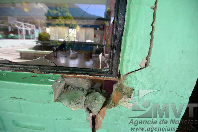 Inician reconstrucción de 20 escuelas dañadas por el sismo, 5 meses después