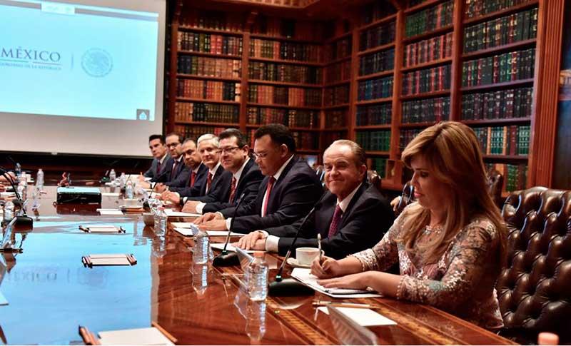Gobernadores priistas se reúnen con titular de Gobernación