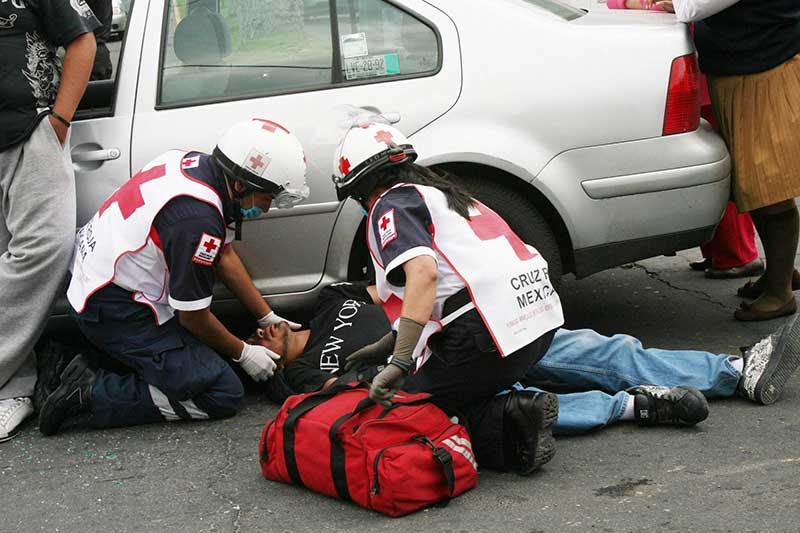 Brindó Cruz Roja en Edomex 392 servicios en la primera semana de vacaciones
