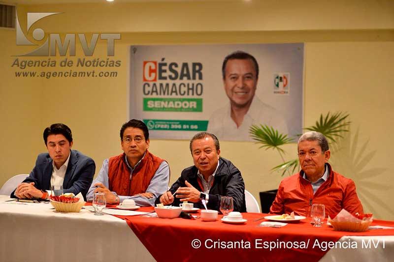 Pide Camacho Quiroz no sobrevalorar las encuestas