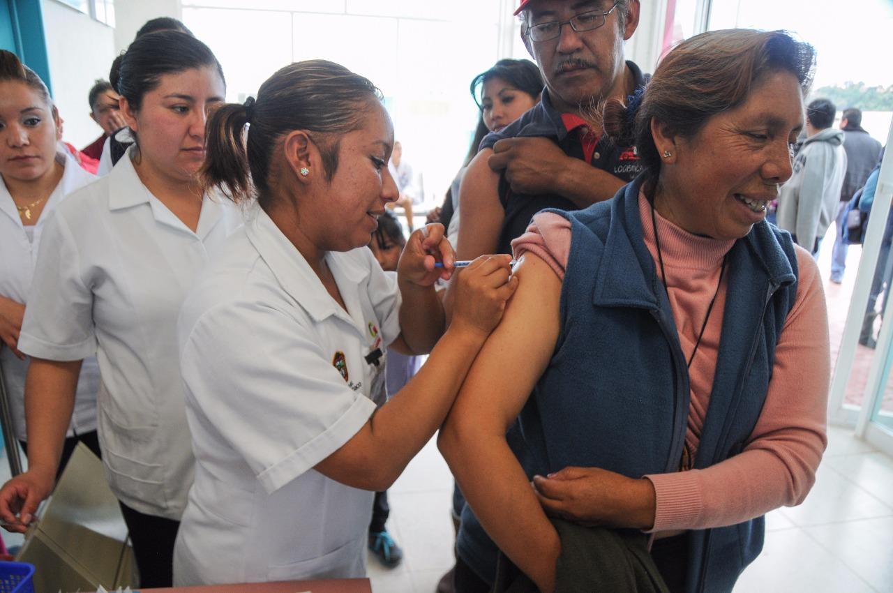 El martes también inicia vacunación contra Covid en otros 18 municipios del Edomex