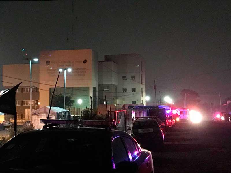 Controlan motín en penal de Texcoco, presos exigían el cese de operativos para detectar objetos prohibidos