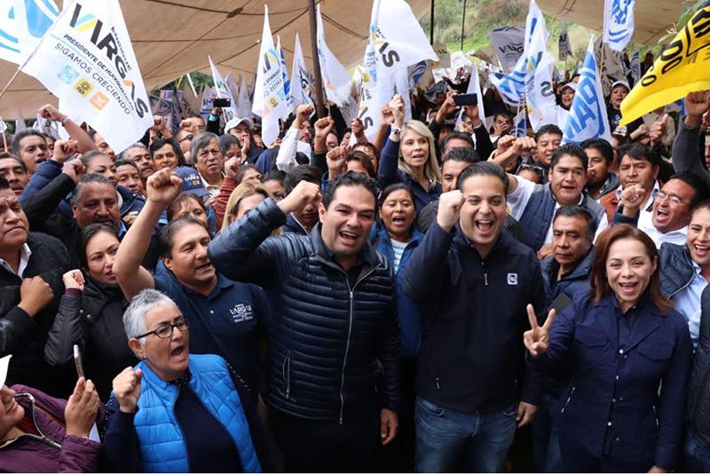 Cierra filas Enrique Vargas con cúpula del panismo