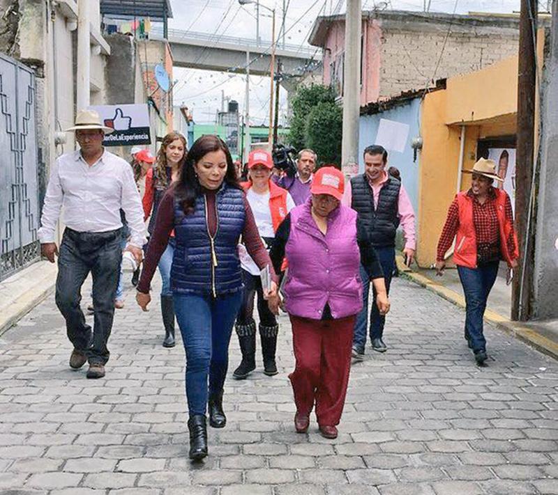 Habrá esfuerzos para mantenimiento urbano en Metepec, según Carolina Monroy