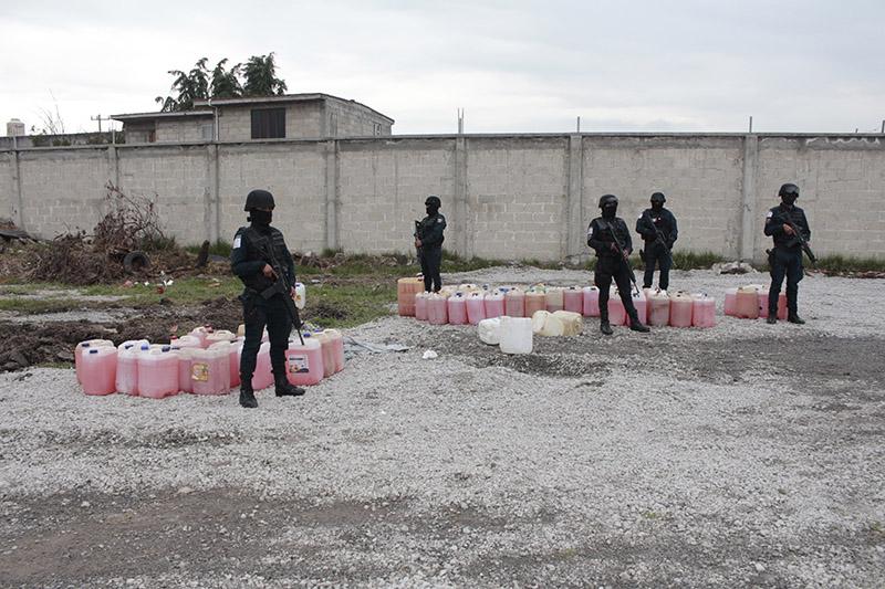 Caen tres presuntos huachicoleros en San Pablo Autopan