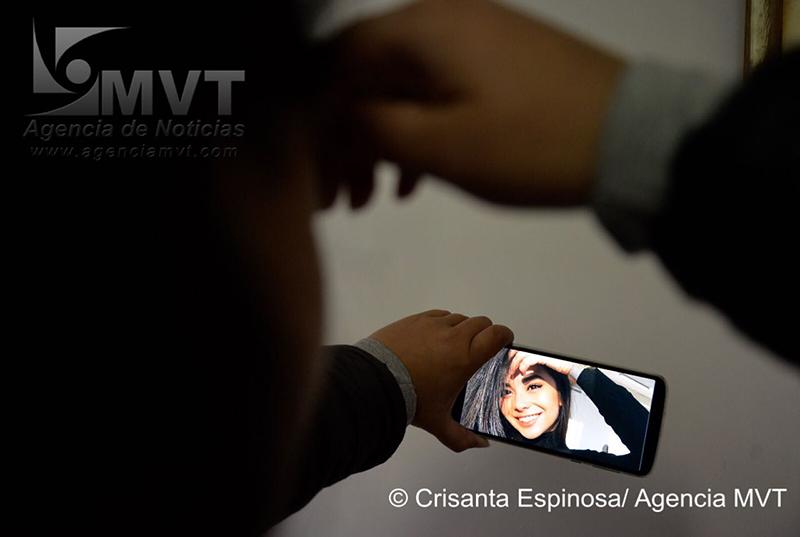 "Tomarse ""selfies"" refleja inseguridad: académico de la UAEMéx"