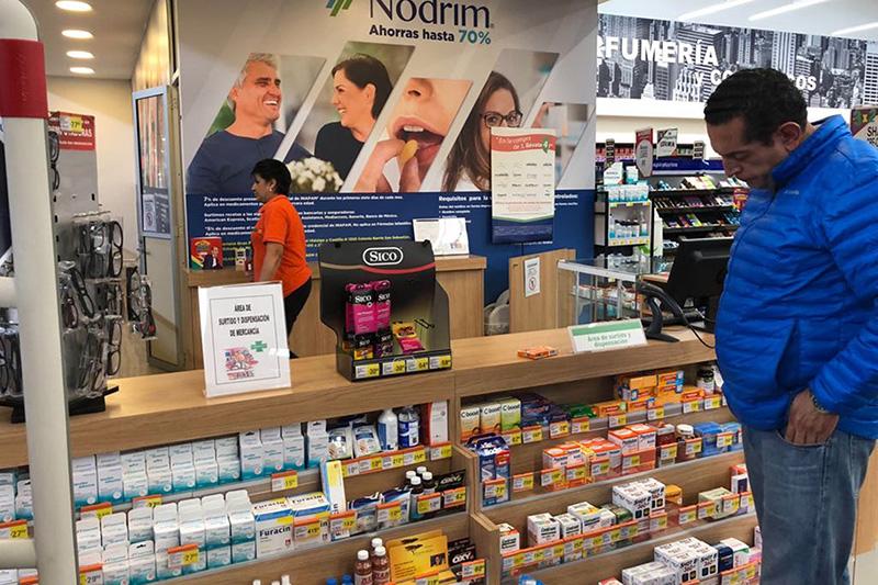 Emite Coprisem 472 recomendaciones sanitarias a personal de farmacias