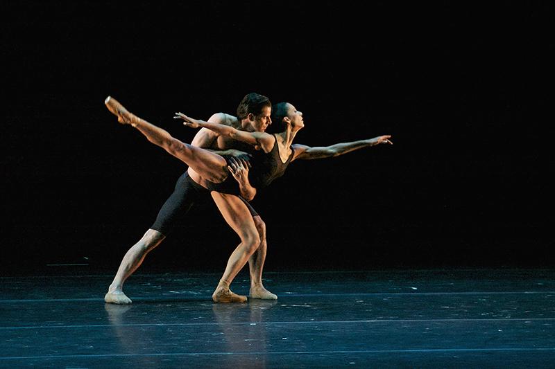 Cautiva Elisa Carrillo en gala de ballet en el Teatro Morelos