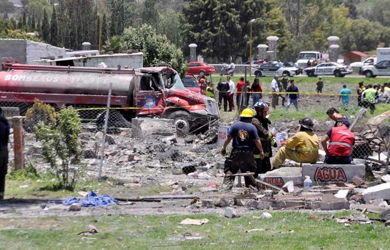 Aumentan a 24 las víctimas mortales y a 49 el número de lesionados por explosión de pirotecnia en Tultepec