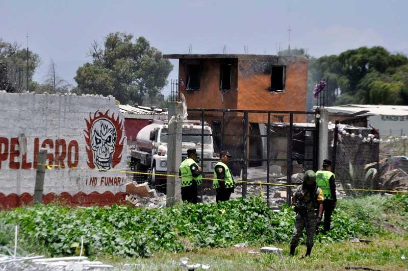 Permanecen 30 personas hospitalizadas por explosión de Tultepec