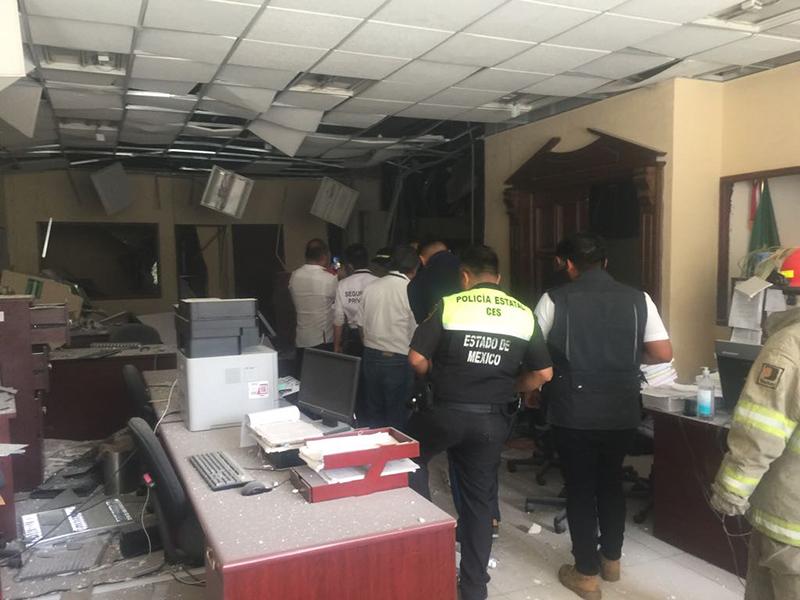 Remueven a director del Penal de Cuautitlán por explosión y fuga