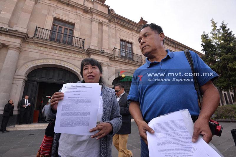 Chocan versiones sobre comercio informal en Santiago Tianguistenco