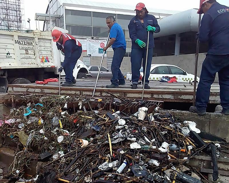 Retira CAEM 450 toneladas de basura de drenajes
