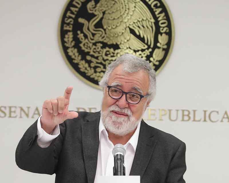 Presenta Alejandro Encinas su último informe