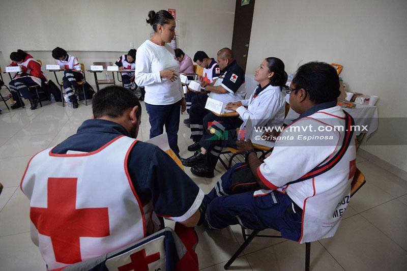 Manejan voluntarios estrés en Cruz Roja Metepec