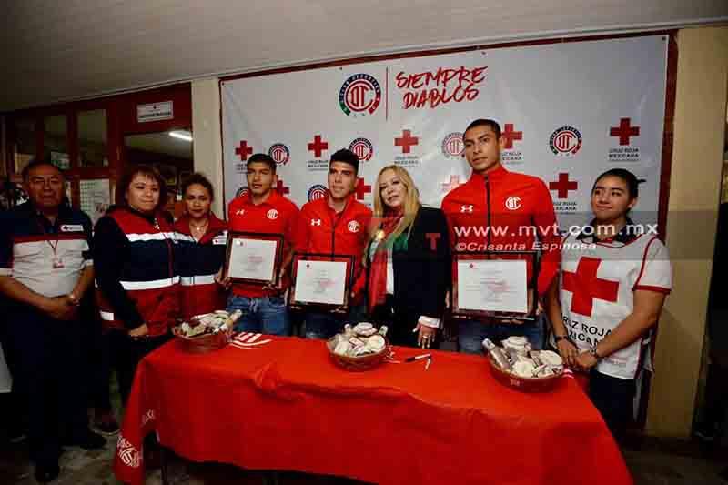 Conviven Diablos con su afición en la Cruz Roja