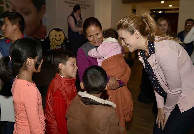 Otorgan apoyos a huérfanos mexiquenses de mamá