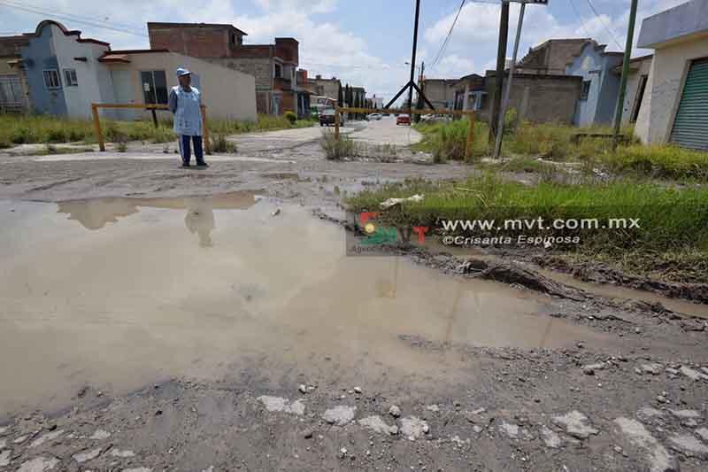 Prefieren abandonar casas que aguantar las lluvias en San Pablo