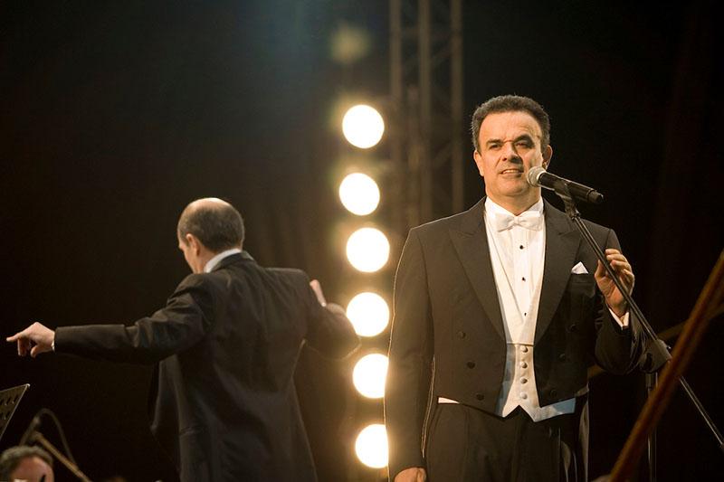 Cambia de sede concierto con Fernando de la Mora
