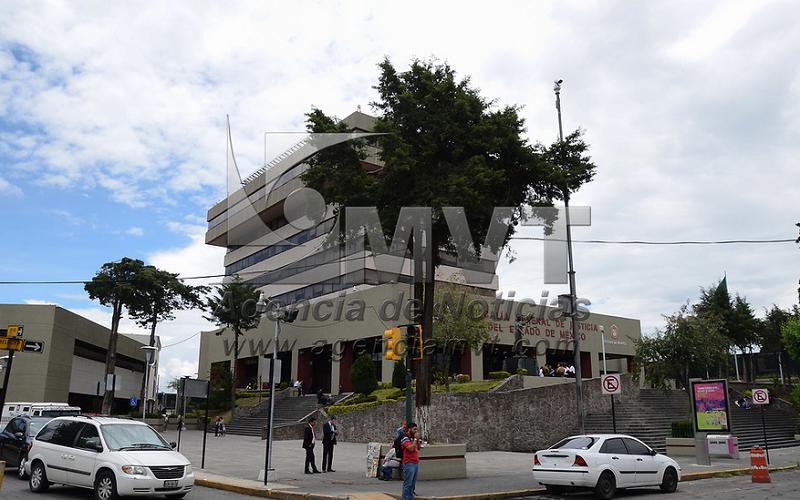 Detienen a un sujeto investigado por robo a transporte público en Toluca