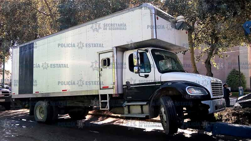 Aseguran tres vehículos con 5 mil litros de huachicol
