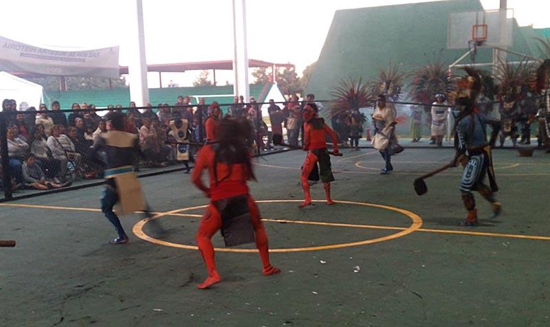 Realizan ritual de juego de pelota en Ocoyoacac